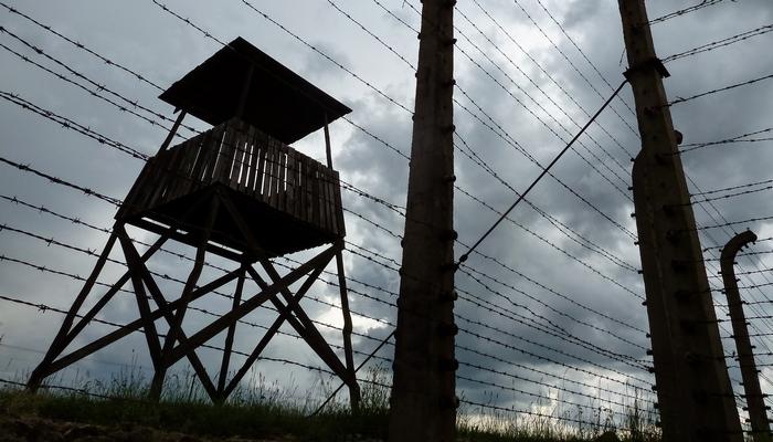 Birkenau-guard-post